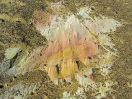 5768 - Veelkleurige rotsbodem bij Nadura tempel - Kharga