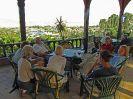5899 - Reisgezelschap in afwachting opening Nubisch Museum - Aswan
