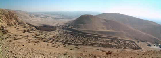 panorama_deir_el-medina_2003_klein